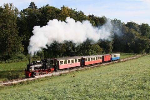 日曜日にAmstettenにある、ナローゲージの保存鉄道に行ってきました。その名もAlbbähnle。Albにある鉄道(Bahn)と言ったところでしょうか。少し訛ったのか、それとも可愛い鉄道と言う意味があるのか、BahnがBähnleになっているのが、なかなかドイツらしい名前の付...