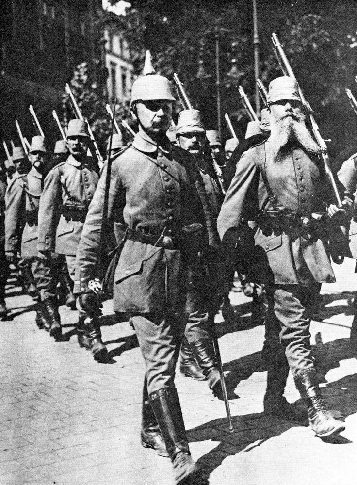 The German Landsturm, heading off to the front during World War I. The oldest class of reservists, they were nevertheless called up in great numbers to supplement the army during the war. (Hoffschmidt and Tantum Collection)