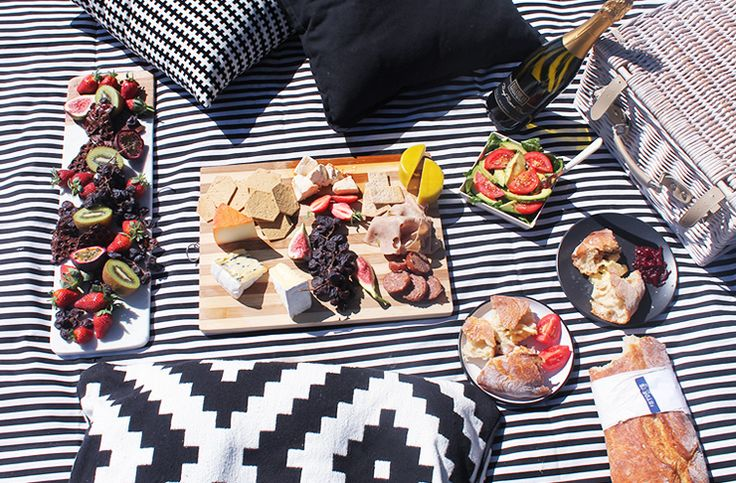 Short on cash? Trying to light the spark with a loved one? Or perhaps you just wanna have a picnic in peace?  Whether it's the former, the latter, or something in between, we agree that picnics are primo in summer.