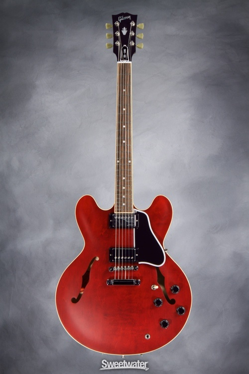 Satin red Gibson 335