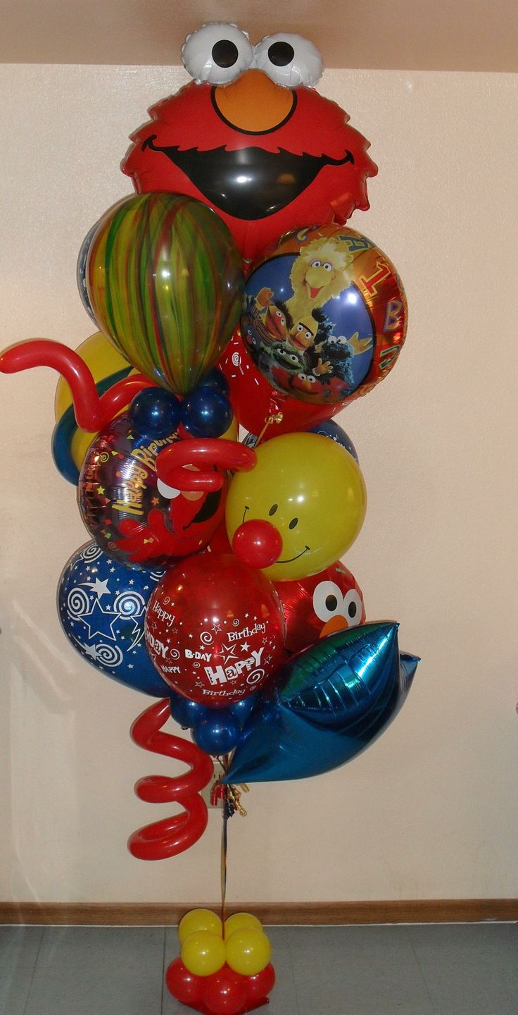 Elmo to the rescue with a happy birthday balloon bouquet