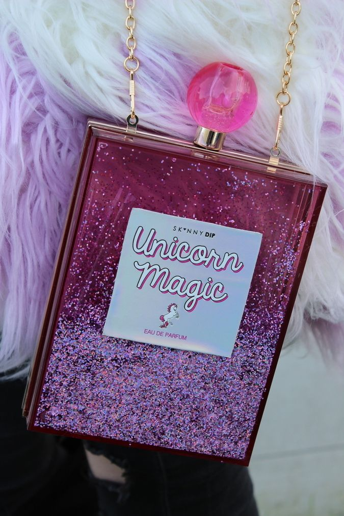 All the Skinnydip London love in my latest ootd post, featuring this Unicorn Magic bag in pink glitter.
