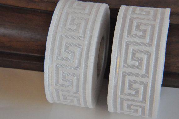 Garniture de ruban Jacquard clé grecque blanc 35mm