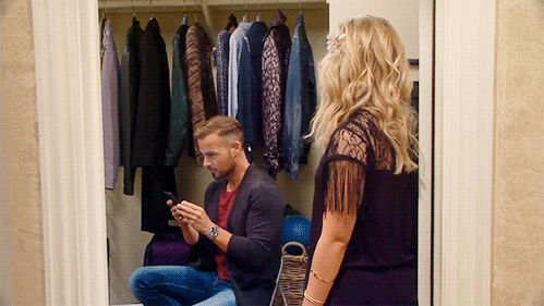 Oooh Joey got caught texting! | Melissa & Joey Gifs