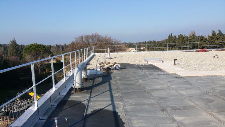 Fabrication et pose de garde-corps sur toiture terrasse.