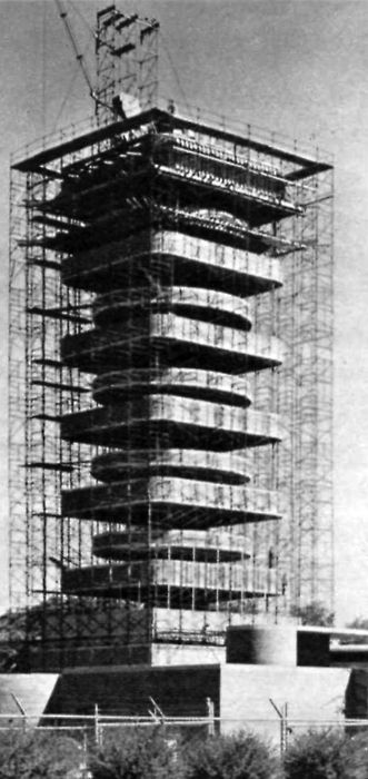 FRANK LLOYD WRIGHT, JOHNSON WAX RESEARCH TOWER, UNDER CONSTRUCTION, RACINE, WISCONSIN, 1944-1951