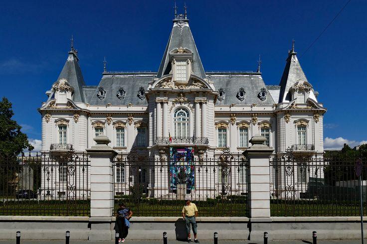 All sizes | Craiova : Palatul Jean Mihail-Muzeul de arta | Flickr - Photo Sharing!