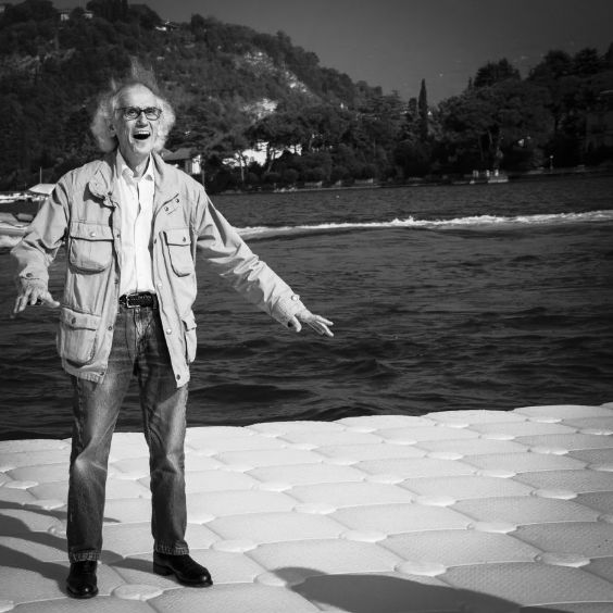 #LandArt - The Floating Piers by Christo and Jeanne-claude, Ph Wolfgang Volz