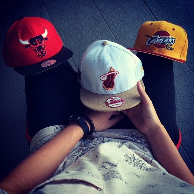 35 days till NBA tip off. Who's going to be the Eastern Conference Champions? Follow us on Instagram, Facebook, Twitter & Pinterest. #urbancrowns #officialurbancrowns #nba #easternconference #chicagobulls #clevelandcavaliers #miamiheat #snapback #snapbacks #mitchellandness #newera #boys #girls #photoshoot #pretty #komonowatches #dope #fresh #swag #awesomeness #visitusonline #fashion #urbanroyalty #nbateams #followus