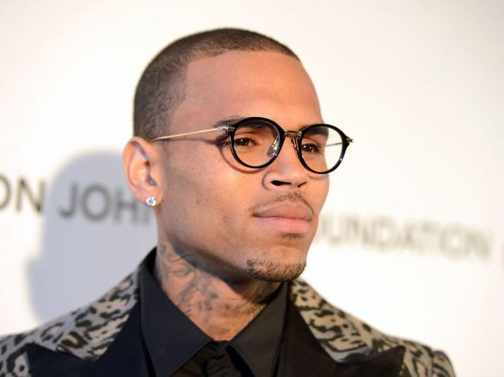 Girl brags about sleeping with Chris Brown the first day she met him (Text Messages)