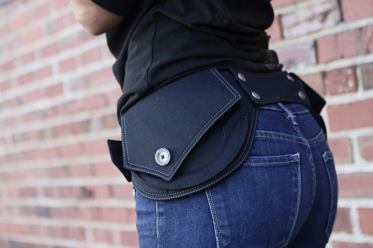 DO WANT: Hip Belt Waist Pouch Waist Pack von stashpack auf Etsy. $115,00, via Etsy.