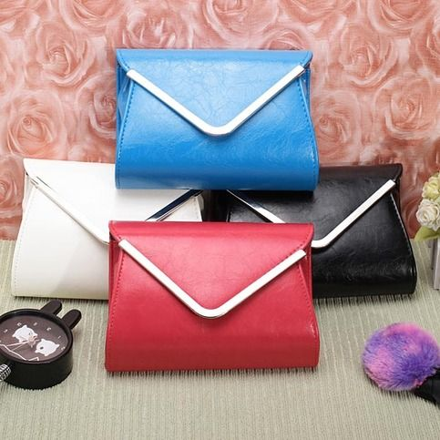 It is a fashion elegant ladies evening clutch bag which made of high quality PU leather,envelope design is simple but fashion,four colors for you to choose.It can be a clutch bag or a shoulder bag.  Details:  Material : PU Leather                                       Color : Blue,Red,Black,W...