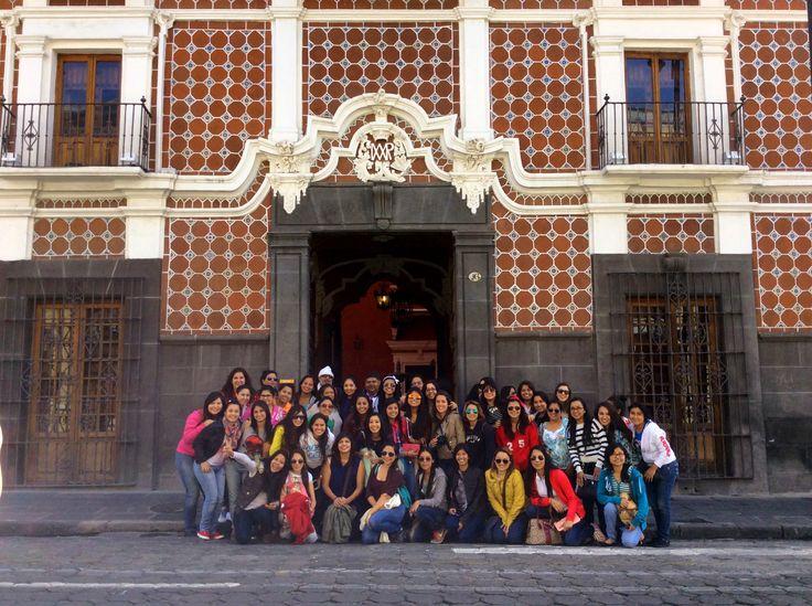 Alumnas de la Licenciatura en Educación Preescolar y la Licenciatura en Educación Especial del sexto semestre de viaje en Puebla. ¡Felicidades chicas! +info.: Tel. (833) 230 3830 Une Tampico, México #UneTampico