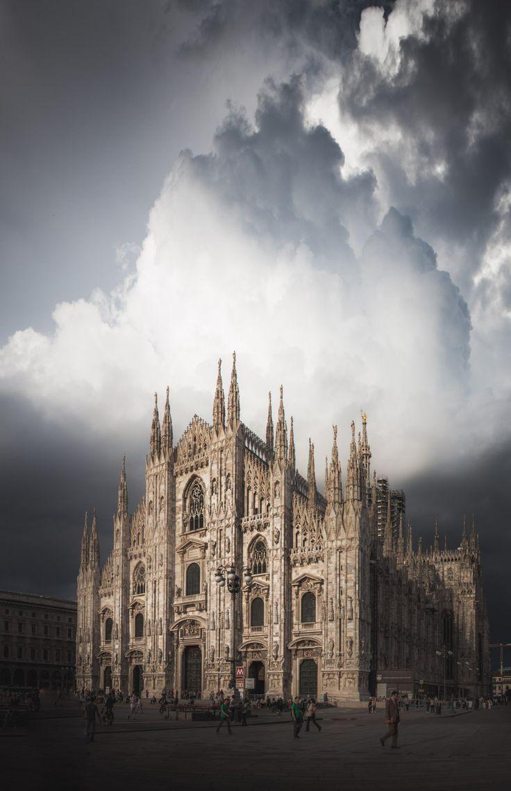 freddie-photography:      The beautiful street scenes of Milan, Italy.     By Freddie Ardley Photography   Website | Facebook | Instagram | Twitter