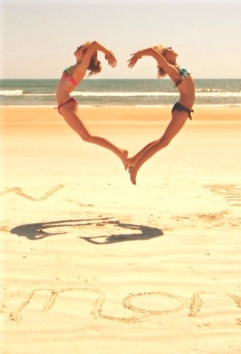 too cool.: At The Beaches, Photos Ideas, Best Friends, Diy Crafts, Beaches Pics, Bestfriends, Heart Shape, Diy Projects, Beaches Photos
