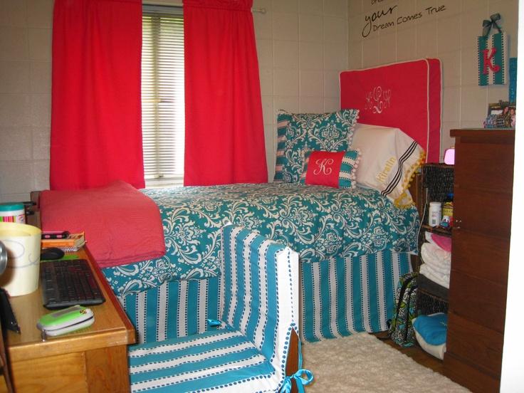 Univ. of Chattanooga college dorm decor
