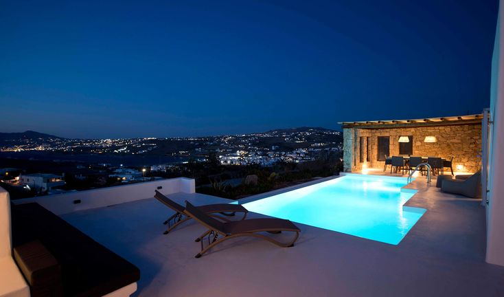 Overlooking Ornos Bay, the sacred island of Delos and the endless Aegean Blue this magnificent villa is the perfect choice for a relaxing holiday in Mykonos.