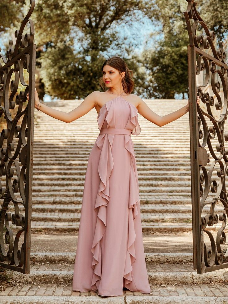 35 Elegant Wedding Guest Outfit To Be Inspire