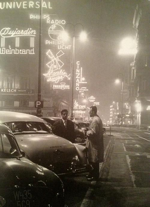 The Kärntnerstraße in Vienna by night, 1950.  Photo by Fred Lauzensky.