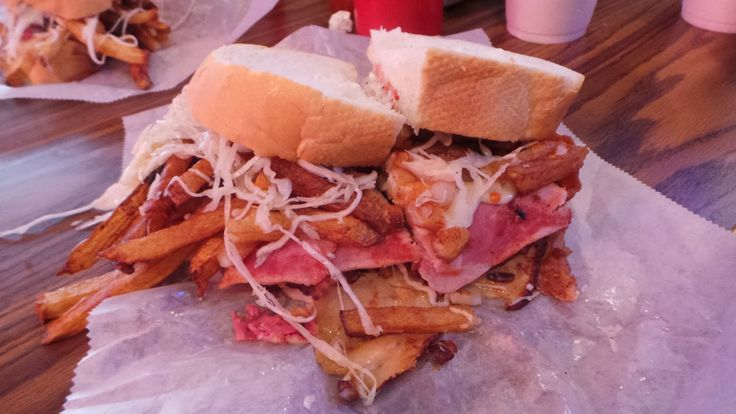 Fries, slaw, cheese and tomato on every sandwich at Primanti Bros #FoodPornFriday |Big Dude Likes Food