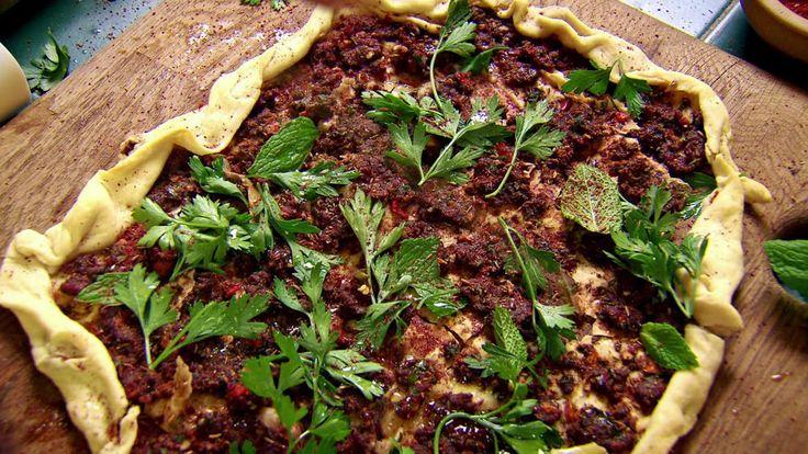 Denne pizzaen er uten ost, og lages med kvernet lammekjøtt.