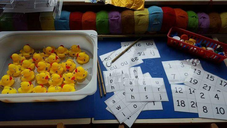 Eendjes met letters en cijfers vangen