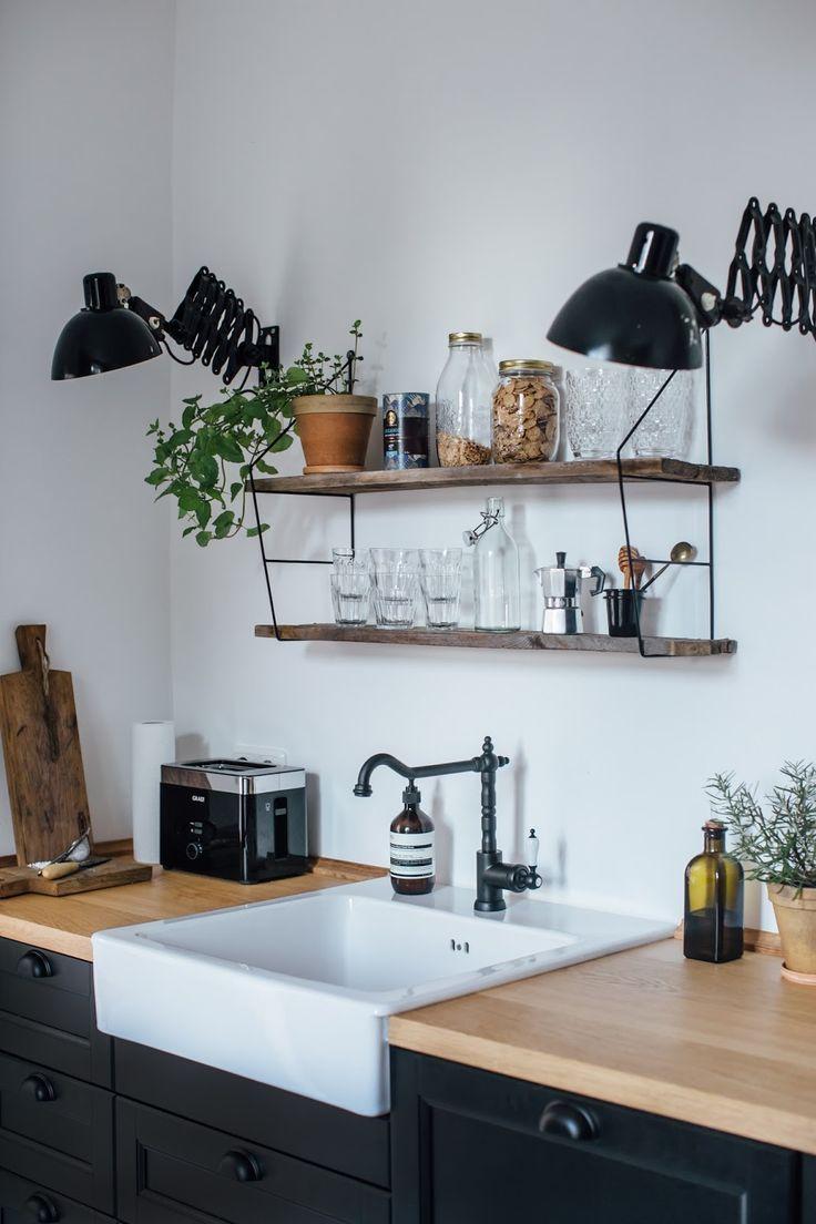fabulous evier plan de travail en bois clair et meuble noir un robinet noir pour with plan de. Black Bedroom Furniture Sets. Home Design Ideas