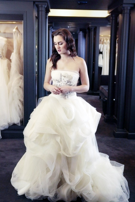 17 best images about tv and movie weddings on pinterest for Wedding dress blair waldorf