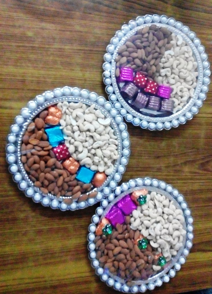 #chocolate #dryfruit #platter #gift #perfect #for  #winter #season #any #occasion product available at https://www.facebook.com/chocofairies