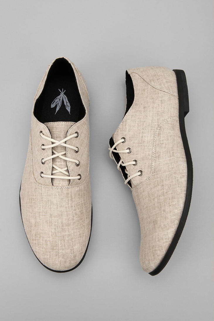 Feathers Canvas Stentorian Oxford Available in Size 12 $68.00