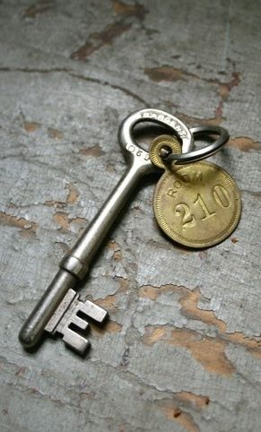 vintage room 210 key