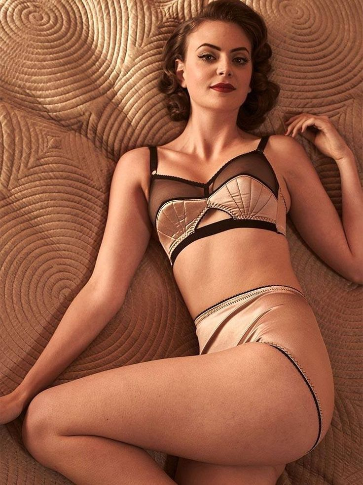 What Katie Did, retro lingerie