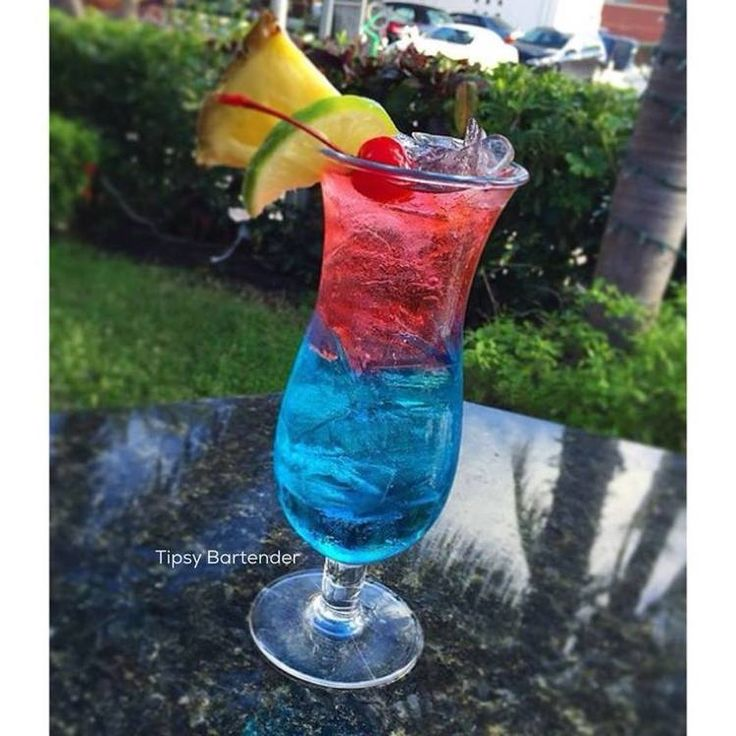 Cherry Berry Lemonade Cocktail - For more delicious recipes and drinks, visit us here: www.tipsybartender.com