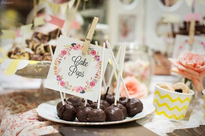 Cake Pops, chocolate cake pops, Vintage pop up bakery, sweet candy buffet, sweet candy ideas, vintage sweet candy idea, lovely candy buffet, vintage candy ideas, pop up bakery, guerilla bakery, sweets, candy buffet recip, pink candy buffet, pastell candy ideas, handmade sweet candy, party buffet