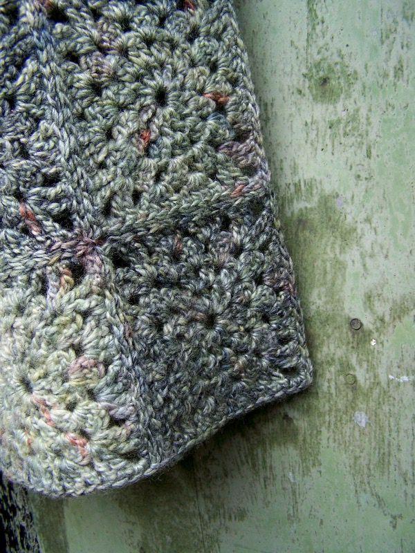 http://napmatkastudio.blogspot.hu/p/munkaim.html handknit and crochet from Hungary