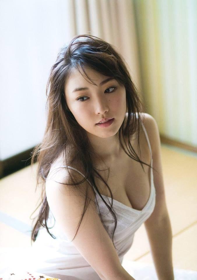 https://www.facebook.com/mizukingdom.idol/photos/pcb.1784429285182030/1784429061848719/?type=3