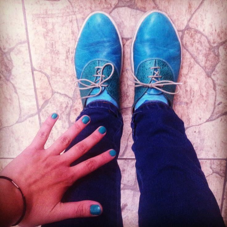Zapatillas, un día pintándome las uñas. #nails #shoes