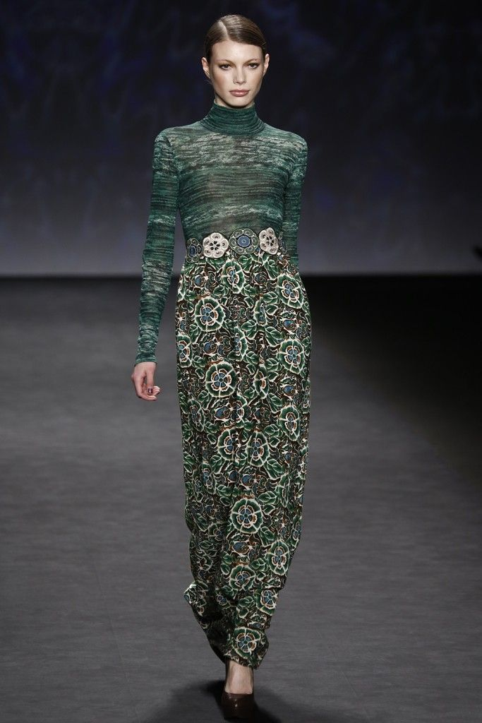 Vivienne Tam RTW Fall 2014 - Slideshow - Runway, Fashion Week, Fashion Shows, Reviews and Fashion Images - WWD.com