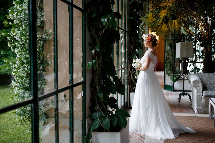 Romantic Bridal Photo; Wedding in Veneto, Italy