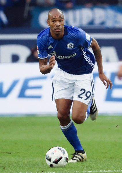 Naldo of Schalke controles the ball during the Bundesliga match between FC Schalke 04 and SV Darmstadt 98 at Veltins-Arena on November 27, 2016 in Gelsenkirchen, Germany.