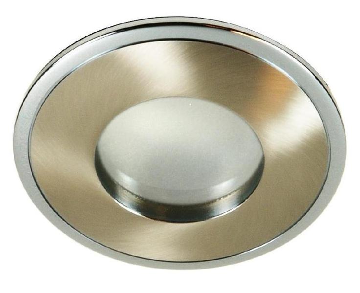 Oprawa halogenowa do zastosowań wewnętrznych i zewnętrznych . Podwyższony stopień szczelności IP65 zapewnia ochronę przed wilgocią . $16  Produkt jest odporny na zalanie strumieniem wody .  Produkt polecamy do łazienek , na zewnątrz budynku do podbitek dachowych .  Możliwe jest zastosowanie również źródła o napięciu 230V o trzonku GU5,3 , jednak zalecamy napięcie 12V lub 24V .