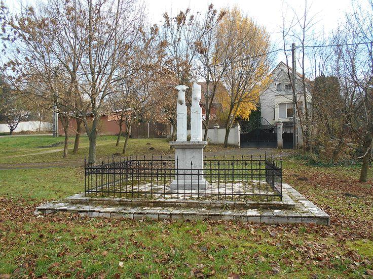 Királyi pár szobor (Szent Imre emlékmű) (Páty) http://www.turabazis.hu/latnivalok_ismerteto_4335 #latnivalo #paty #turabazis #hungary #magyarorszag #travel #tura #turista #kirandulas