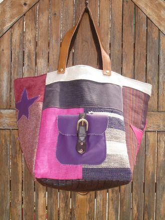Cabas réalisé dans différentes matières(toile tissée écrue,simili cuir violet,lin rose fuschia,toile rayée,toile prune,tweed rose chiné,velours vieux rose). Une poche en c - 17571234