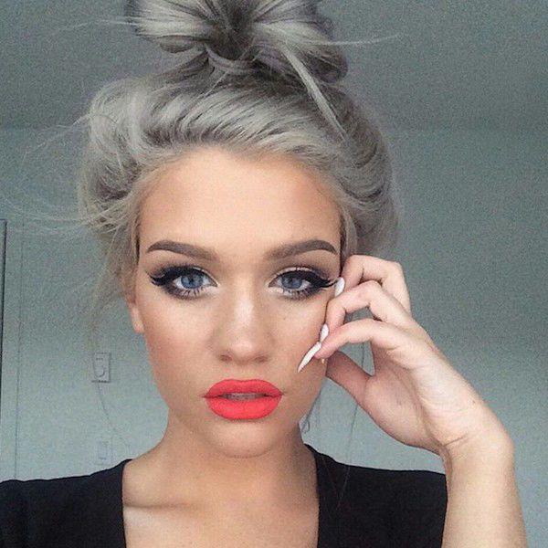 les cheveux gris sont la mode chez les jeunes femmes b pinterest mode - Coloration Cheveux Gris Perle