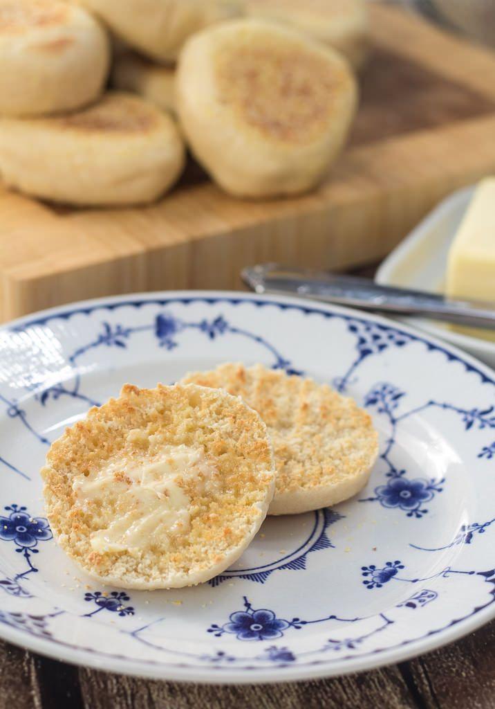 Opskrift på hjemmelavede English Muffins (Recipe in Danish)