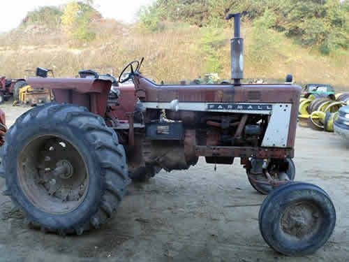 Farmall International 706 Tractor Salvaged For Used Parts