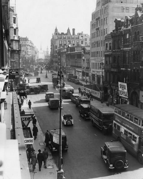 8th September 1944: The Strand in London, looking towards Fleet Street. (Photo by Fox Photos/Getty Images)