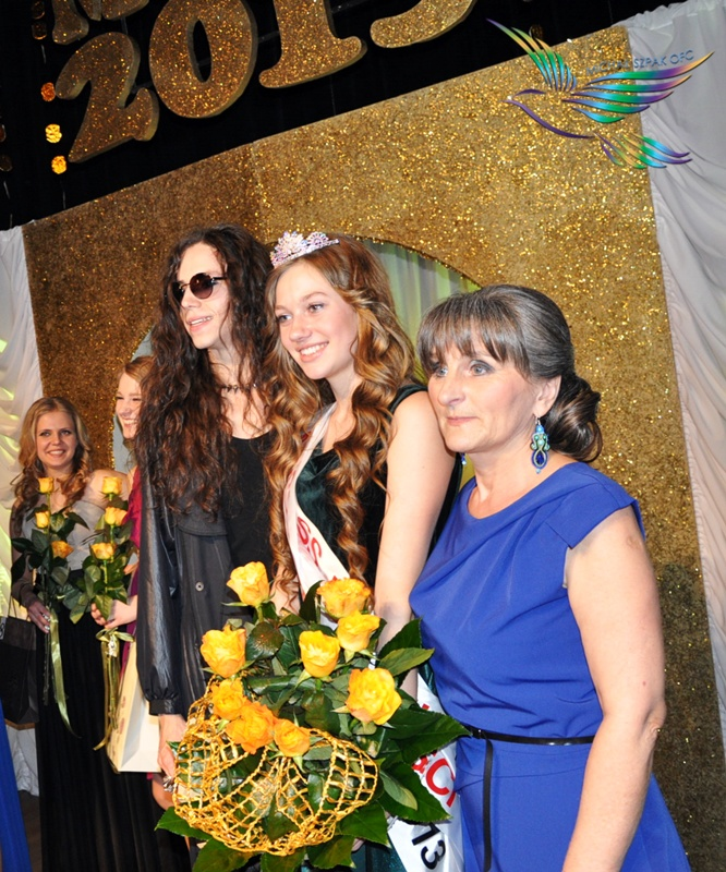 Michal Szpak with the young Miss 2013 & the concert organizer