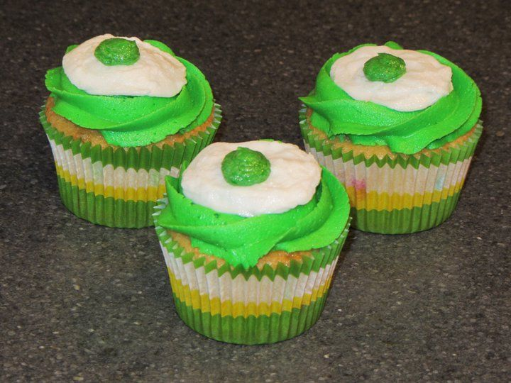Green Eggs and Ham cupcakes | Baking goodness | Dr seuss ...