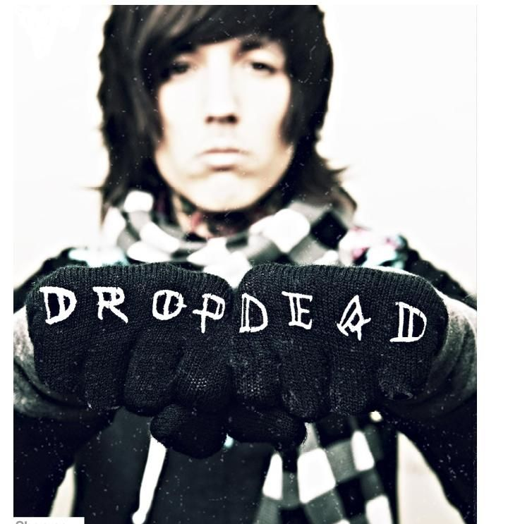 drop dead oliver sykes - gloves WANT!!